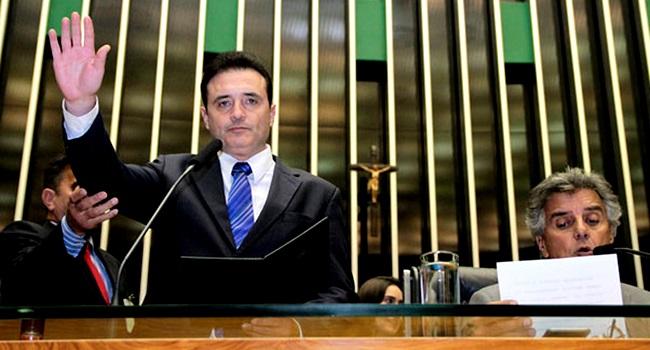 Osmar Bertoldi estupro cárcere privado noiva preso
