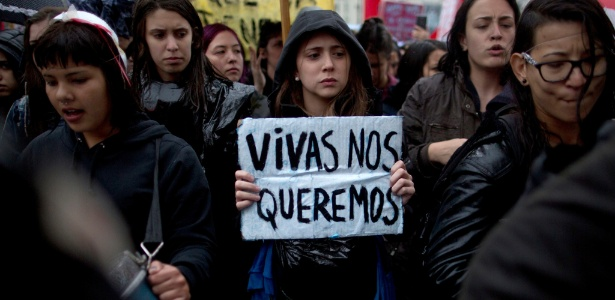 feminicídio argentina mulher empalada