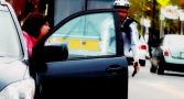 motoristas-holanda-abrir-carro-mao-direita