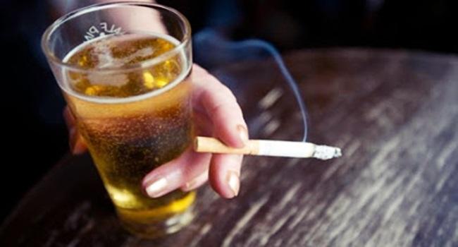 Alcoólicos de fórum e alcoolismo