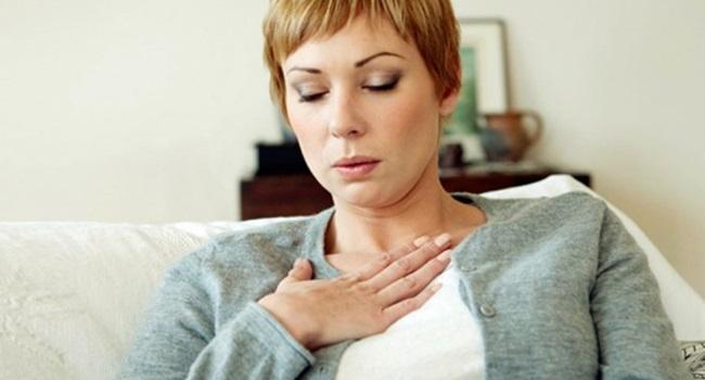 sintomas ignorados ataque cardíaco homens mulheres