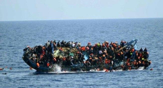 travessia imigrantes mediterrâneo europa inferno naufraga