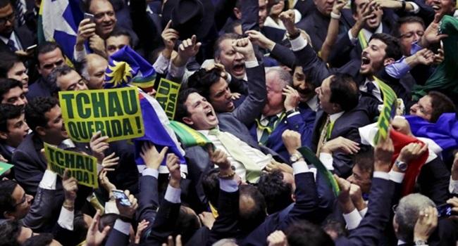 crônica idiotização brasileiro política direitos temer