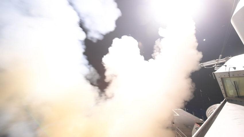 EUA bombardeia síria míssil Trump