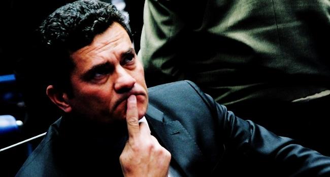 sergio moro causador males brasil política corrupção