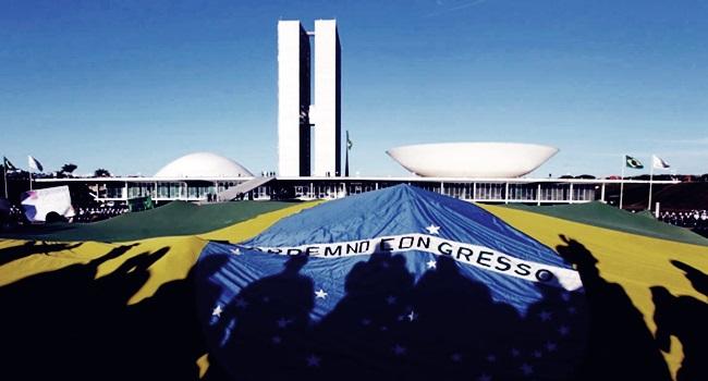 democracia sequestrada golpe reforma política congresso nacional