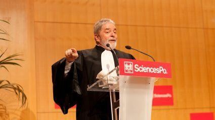 elite miserável doutores possuem a educação de Lula