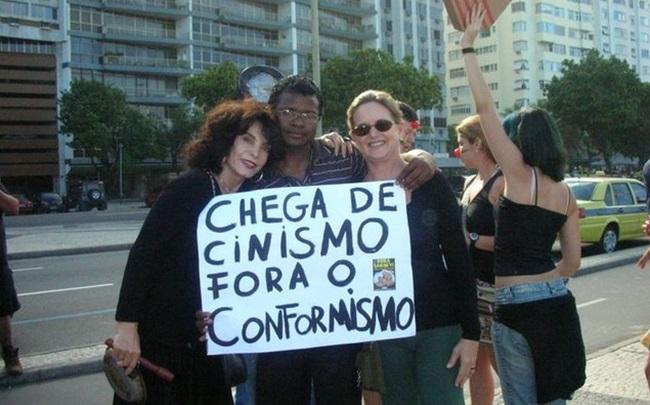 manifestantes contra corrupção artistas globo