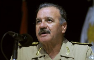 Pedro Aguerre nega o passado