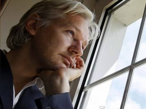 assange embaixada equador doente