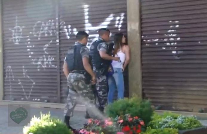 menina agredida policia curitiba