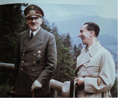 Adolf Hitler controle de armas eua falácia