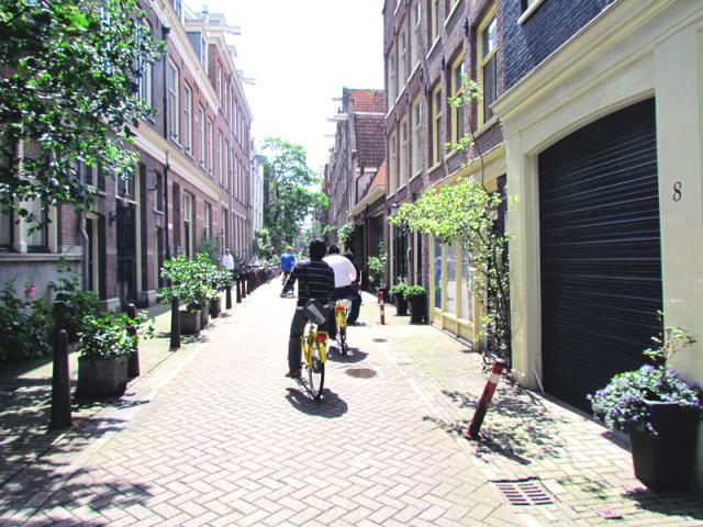 ciclistas bicicletas amsterdam holanda