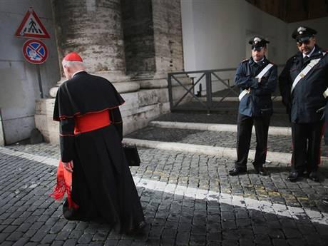 sauna gay vaticano renuncia papa