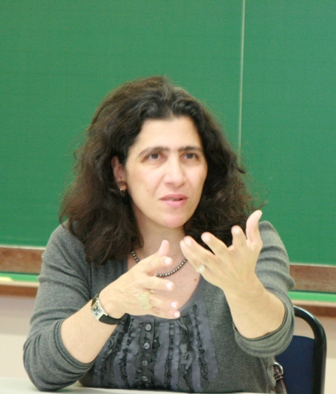 Fé e política não se misturam professora vera karam religião