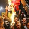 manifestantes-violentos-bandeiras-partidos