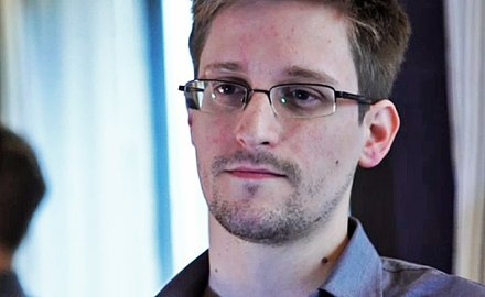 edward-snowden-equador