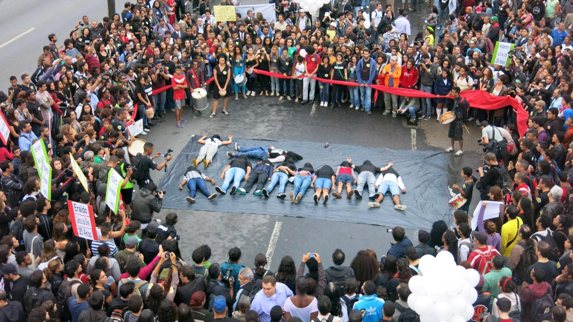 protesto favela mortos da Maré esquecidos imprensa