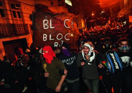 Black Blocs rio de janeiro manifestações