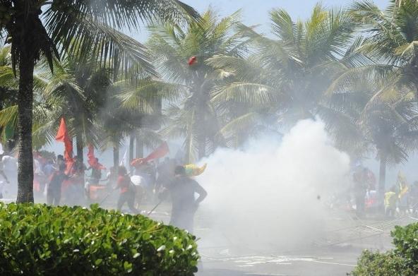 protesto-leilao-libra