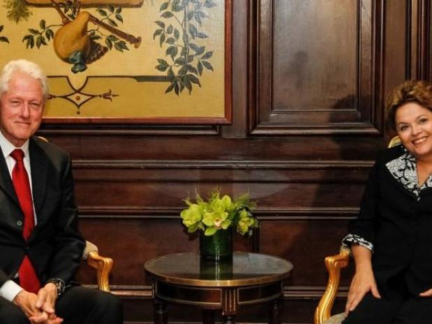 Clinton elogia Dilma e Lula critica obama