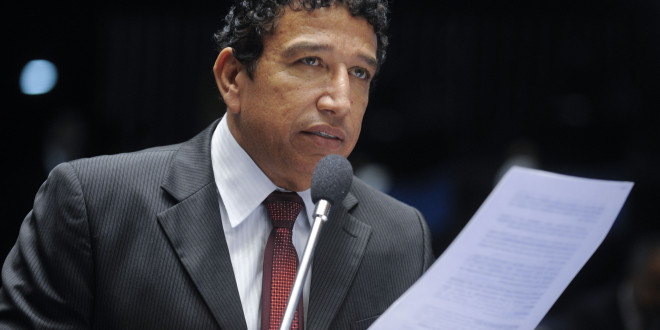 Senador evangélico magno malta plc122 matar o projeto contra a homofobia