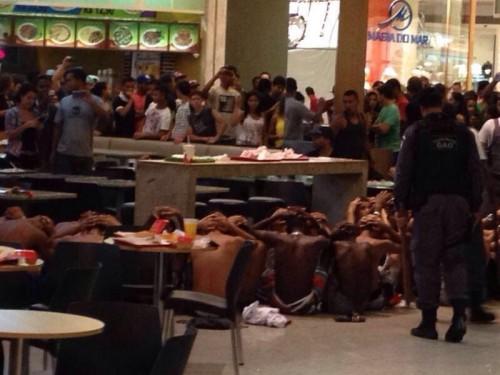 rolezinho shopping facismo brasil