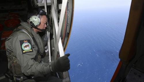 resgate avião desaparecido malásia