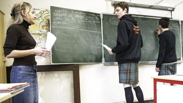 estudantes franceses saia