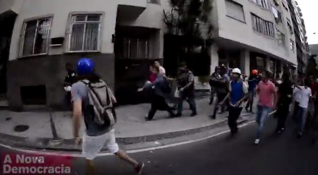 rede Globo é rechaçada em protesto rio de janeiro
