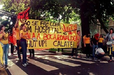 protesto escritório ronaldo copa