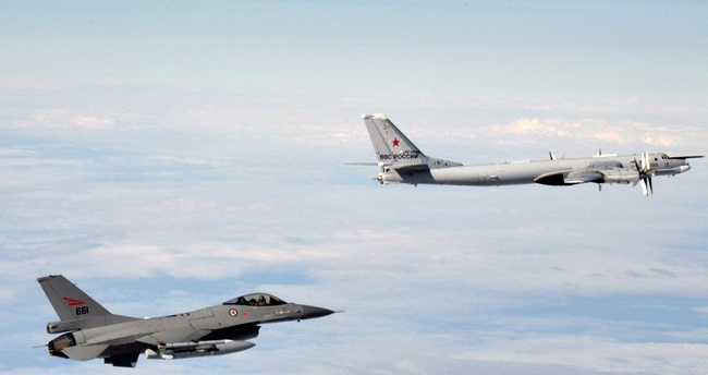 Guerra Fria não acabou avioes russia sobrevoa europa