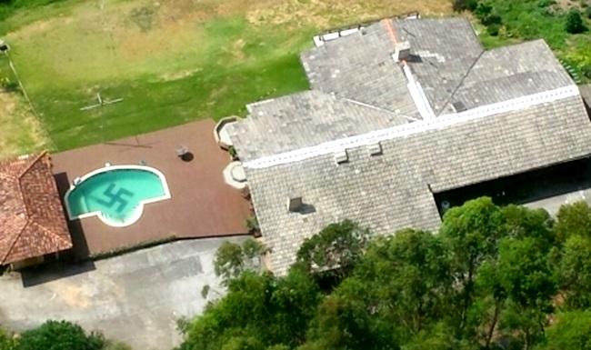 sul piscina suastica simbolo nazista