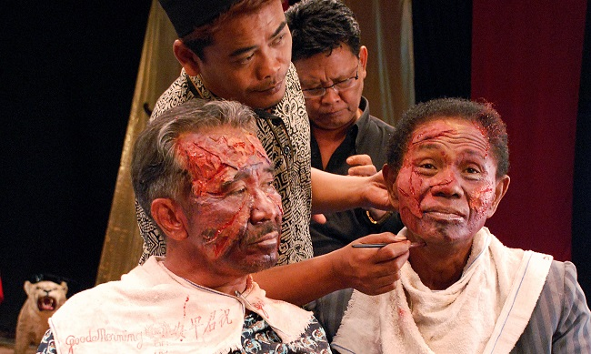 o ato de matar indonésia filme mais surreal