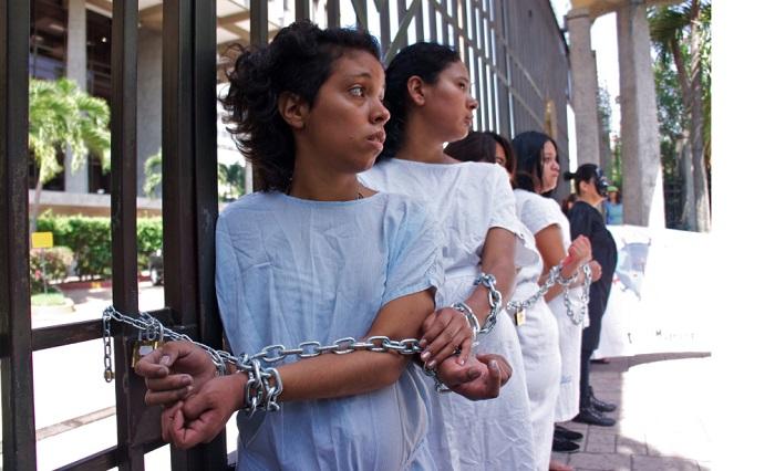 mulheres condenadas prisão porque abortaram el salvador