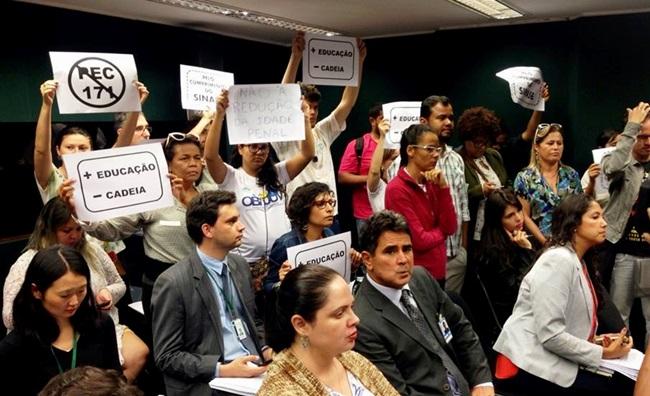 redução maioridade penal ilusão protesto ativista