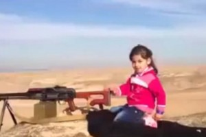 menina-metralhadora