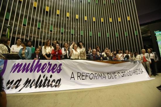 cotas mulheres política deputados câmara