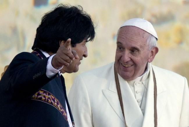 Papa Francisco fala sobre 'crucifixo comunista' que recebeu de Evo Morales