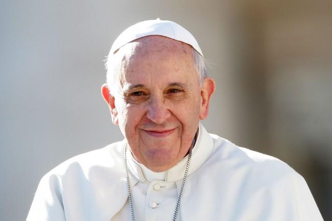 Papa Francisco mídia brasileira direita