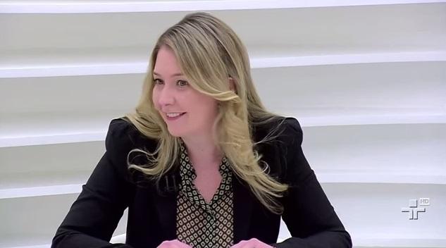 Nathalia Watkins veja padura cubano