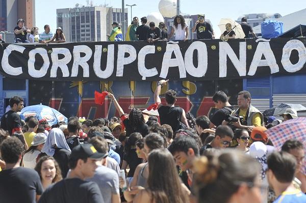 escândalos de corrupção protesto brasília