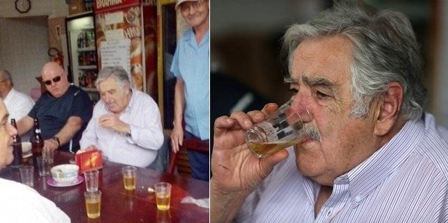 Mujica bebe cerveja e come rabada feijoada bar josé Rio de Janeiro
