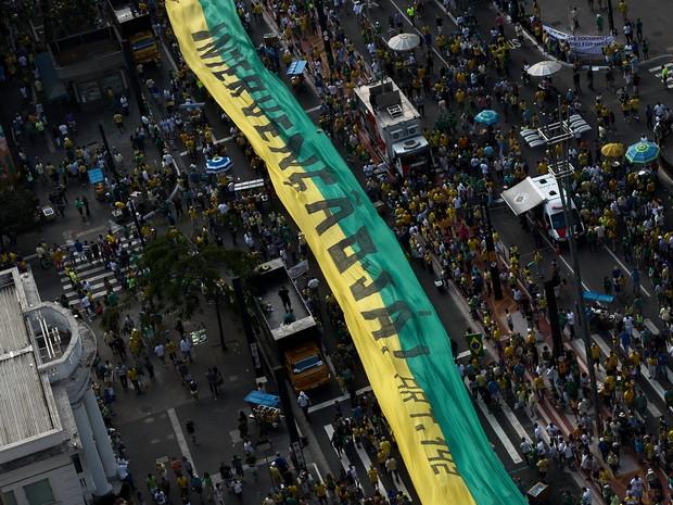 protesto domingo dilma globo