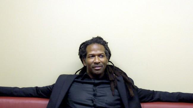Neurocientista negro Carl Hart racismo em Hotel de SP