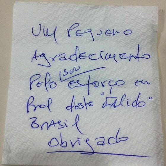 Bolsonaro admirador cliente conta restaurante