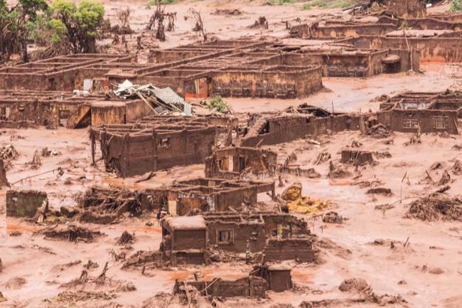 tragédia Mariana Vale Samarco maior desastre ambiental