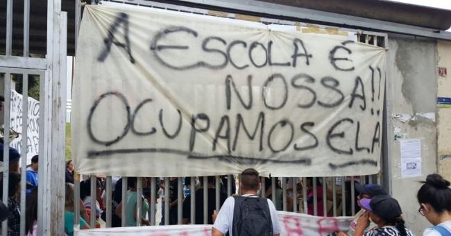 escolas ocupadas São Paulo