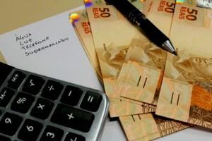economia-impostos-pobres-ricos-brasil