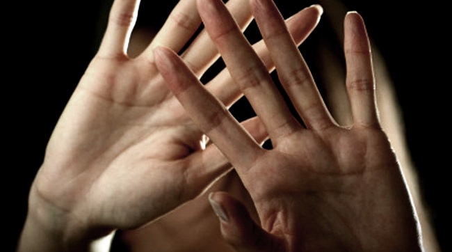 pequenas violências que mulheres sofrem caladas dia a dia